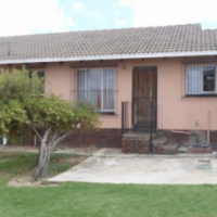 2 bedroom house in The Reeds