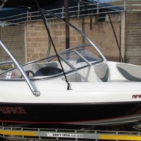 Wakeboard boat with ski top & MP3 sound system - 2012 Celebrity 17ft Mercury 115hp Optimax 2007