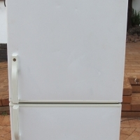 Defy Double door fridge/freezer 313L