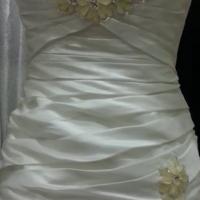 Beautiful Ivory Vintage Wedding Dress Size 36-38