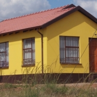 rental in soshanguve with cupboats in side