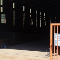 1600sqm WAREHOUSE WITH 5 TON CRANE STREETFRONT with offices up for grabs!!