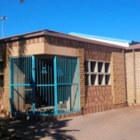CORPORATE 1000sqm warehouse, streetfront offices IDEAL DISTRIBUTION/MANUFACTURING to let