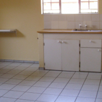 Spacious 2 Bedroom Garden Cottage to Let