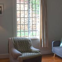 Lovely rustic 2 bedroom house in Kensington