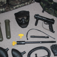 BT4 Combat Paintball gun with gear