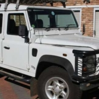 DEFENDER 110 TD5 With all extras 200000Km R152000