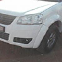 2013 Izuzu GWM Steed 5 2.5 DCI diesel. L.W.B