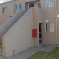 Buccleuch heronshaw Gibson Drive 2beds, bath, kitchen, lounge, 1st floor Rental R5200