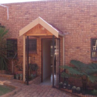 Spacious and Private Garden Flat