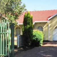 Family home in Brackenhurst Central