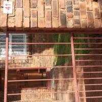 Duplex  townhouse 2-bed/1-bath/garage