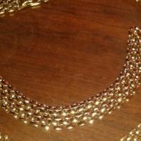 Costume jewellery necklace and bracelet