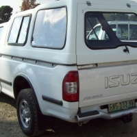 Very Neat Isuzu for sale wit canopy