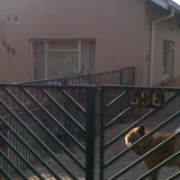 Rietfontein 3 bedr house with a 1 bedr flat for sale.