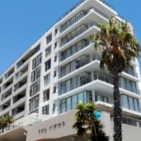 Sea Point: Unfurnished Bachelor, Secure Parking, Views