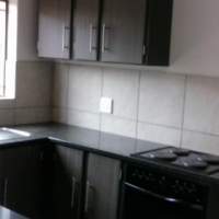Flat to rent in Sunnyside PTA from the 1st June 2017