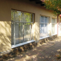 Spacious house Ideal for a business in Wilkoppies