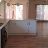 Newlands 2bedroomed free standing house for R4200 pre-paid electricity