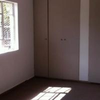 2 Bedrooms garden flat