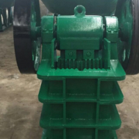 Many sizes and types of rock crushers for sale