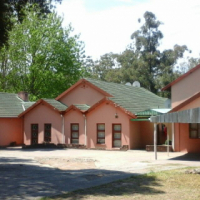 ACCOMODATION KING WILLIAMS FROM R2850 1,2 BEDROOM COTTAGES