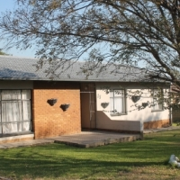 3 bedroom house with flat for sale Secunda