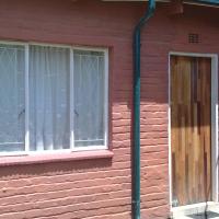 Blairgowrie, Randburg: Studio bachelor garden cottage available immediately
