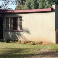 Bachelors Garden Flat to rent in Witpoortjite