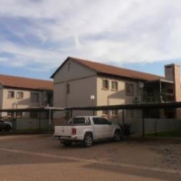 3bed 2bath in RTB Waterval East R5500 Apartment
