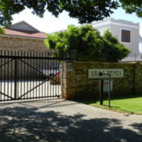 Neat & secure area 1 Bedr student flat for sale walking distance from NWU