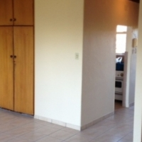 Lyndhurst open plan studio unit to let for R4200