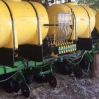John Deere JD 1750 8 row liquid planter, presision units