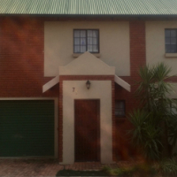 Stunning 3B2B2G home with spacious garden and lapa in Silver Willows Estate