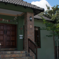 Rustic Furnished Family Home in Golf Estate