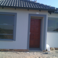 New  houses for sale in  Blue hills  midrand transfare cost included  stove ,build in kitchens