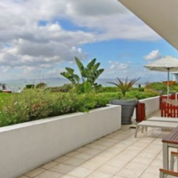 2 Bedroom Ultra Modern Apartment in Sea point