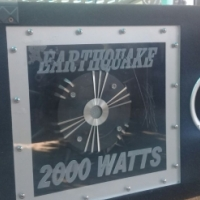 Earthquake sub with fitted amp