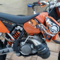 200 cc off road ktm motorbike in excellentcond