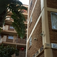 2 BEDROOM FLAT FOR SALE - WONDERBOOM SOUTH