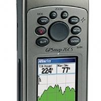GARMIN 76CS GPS - LIKE NEW STILL IN ORIGINAL BOX !!!