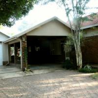 Modern luxury house in rural Naboomspruit