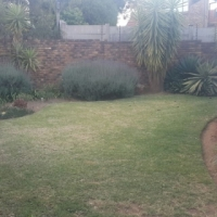2 Bed 2 bath loose standing townhouse in Centurion, The Reeds in Brakfontein Road. Double  garage