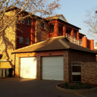 2 Bed 2 Bath Flat Near Gautrain Station