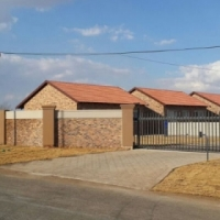 FOR SALE!!! New Exclusive 2 Bed Townhouse with Pet-Friendly Garden & Carport