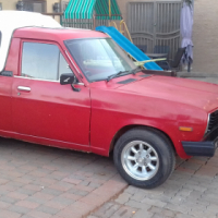 Nissan 1400 red no canopy for R 20 000
