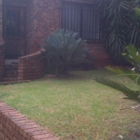 Neat and secure cottage to let - near Eastgate/Bedfordview/Bruma