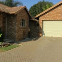 Elarduspark - Townhouse in Secure estate - 3beds  - as new
