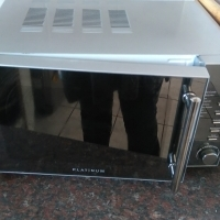 Secondhand Platinum Microwave for sale 20 Litre