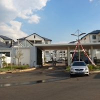 Brand new and modern 2 bed, 2 bath unit in a secure complex in Greenstone Hill